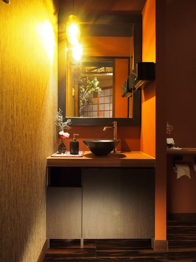 2015 ワインバー 洗面・トイレ